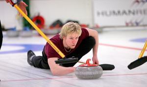 En av de första bilderna på curlingsspelaren Niklas Edin. Tagen 2006 av ÖA:s fotograf Leif Wikberg.
