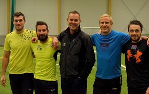 Håkan Andersson tillsammans med Mikael Gerlach, Stefan Tärnhuvud, Johan Wissman och Tom Kling Baptiste.