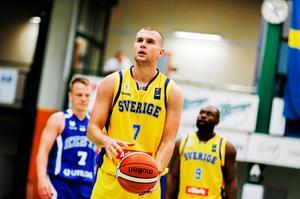 Dino Pita har varit i kontakt med Köping om ett kontrakt i klubben.