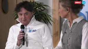 Sverigedemokraternas Stefan Sundberg och programledare Maria Lindholm.