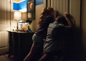 Syskonparet Tim (Brenton Thwaiten) och Kaylie (Karen Gillan) står i centrum i skräckfilmen