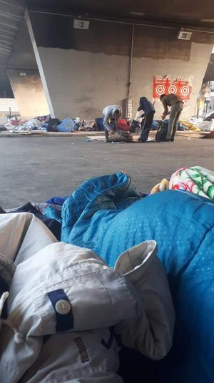 Bild från lägret vid Port de la Chapelle i Paris, där många svensktalande ungdomar som flytt från Sverige nu bor. Bilden kommer från en tidigare Kumlabo som nu bor där. Foto: Privat