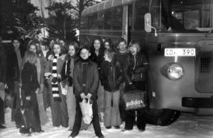 1973 funderade eleverna från Hotagen och västra Föllinge på att strejka. Orsaken var att skolbussen de måste åka tre timmar varje dag var kall, dragig och skramlade. Postverket, som stod för transporten lovade att reparera bussen och installera en bilradio.