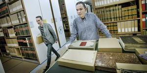 Andreas Jeppsson och Håkan Henriksson, arkivarier, är två av åtta anställda vid Arkivcentrum Örebro län.