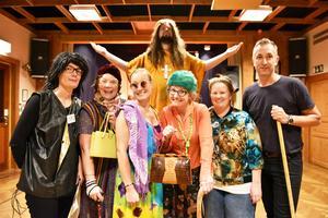 Hela gruppen bakom föreställningen: Disa Serrander, Cajsa Austli, Emma Nygren, Johannes Blomqvist, Lena Wikström, Lisa Nyström och Stefan Olsson.