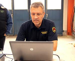 Ställföreträdande räddningschefen Rolf Hellberg hoppas in i det sista på en lösning.
