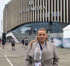 Hockeypuls Jennifer Engström på plats under Hockey-VM i Köpenhamn.