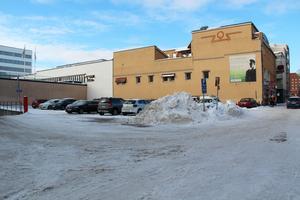 Där Pub Mysen låg finns numera en parkeringsplats.