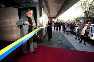 Den gamle ägaren Åke Eriksson fick äran att klippa bandet vid nyinvigningen  14 september 2012.