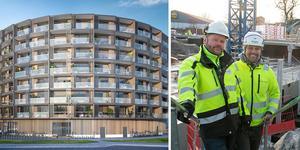 Thomas Näslund, byggledare, WSP/Magnolia och Christian Olsson, arbetsledare, Consto AB, visar bygget av de nya bostäderna i Fyren-projektet. Illustration: Scheiwiller Svensson arkitektkontor