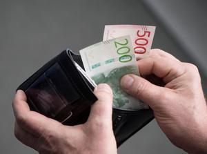 700 kronor, så mycket har skribentens kommunala pension sänkts med varje månad. Foto: Fredrik Sandberg/TT