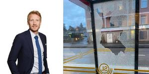 Så sent som natten till onsdagen krossades flera busskurer i Södertälje. David Erixon är kommunikationschef på Nobina. Foto: Nobina / Läsarbild