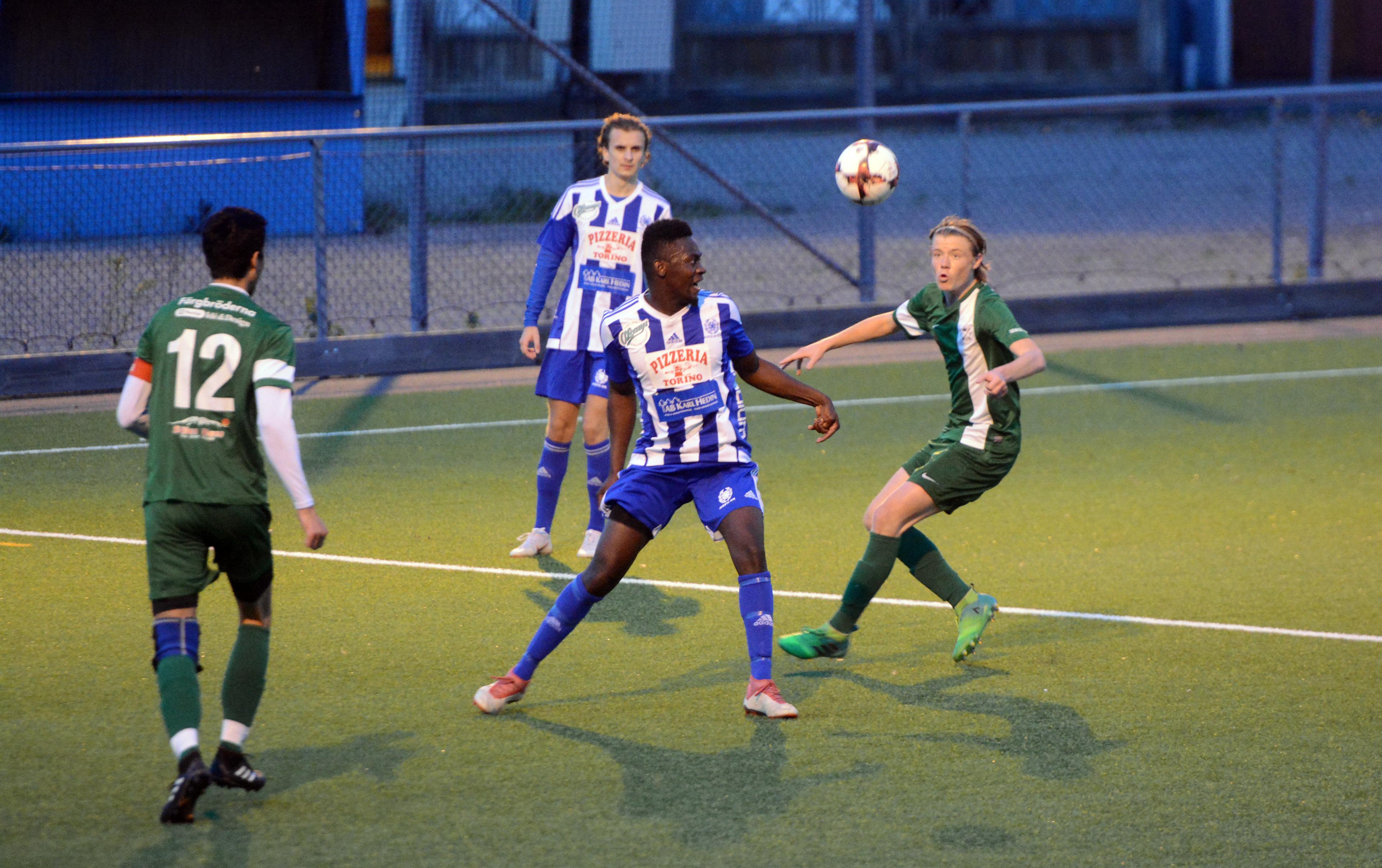 Essa Njies Avesta AIK inleder kvalet borta mot Delsbo IF på lördag. Enda hemmamatchen spelas mot målfarliga Brynäs IF den 20 oktober.