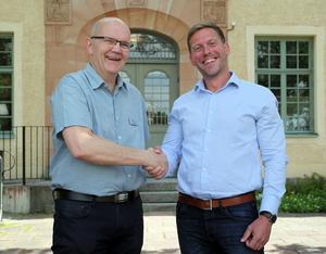 Nu kan tillförordnade chefen Torleif Fallsdalen lämna över jobbet till Ludvikas nye näringslivschef Erik Odens. Foto: Ludvika kommun