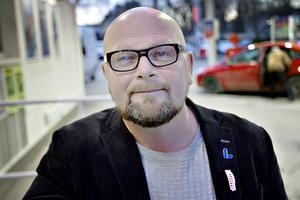 Per-Ola Grönberg upplever inte att det förekommer mobbning inom partiet. Tvärtom har det aldrig varit så bra stämning som nu, anser han.