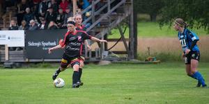 Skorpeds Lotta Sundberg laddar stora kanonen i en match mot Domsjö.