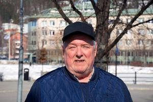 Hans Smedlund, 69, Stockholm, pensionär: