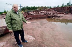 En arton år gammal bild, men Rolf Eriksson, produktionschef, är som berget: fortfarande kvar. Foto: Kjell Jansson