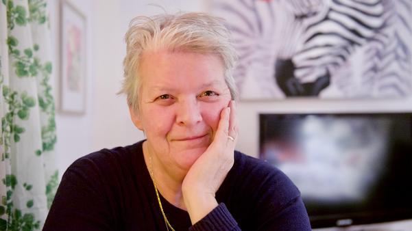 Kerstin Persson fann kärleken i en tjänstebåt på Rogen och flyttade till väglöst och ellöst land i Härjedalen.