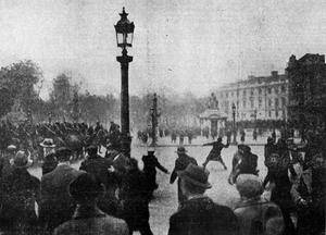 Franska fascister i kravaller 1934. Foto:  L'Ouest-Éclair, journal républicain du matin