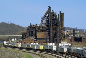 Ett övergivet stålverk i Pennsylvania. Foto: Jschnalzer/ Wiki Commons