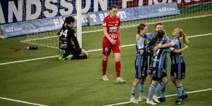 Mimmi Paulsson-Febo har haft en tung inledning på säsongen med åtta insläppta mål på två första tävlingsmatcherna.