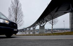 I december ska anläggningen vara igång som ska skydda bron.