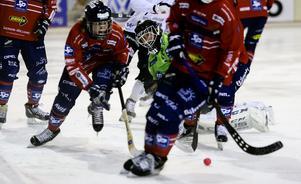 Anders Svensson svarade för flera tunga räddningar, främst i den första halvleken där Tillberga var det hetare laget.