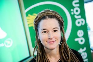 Partisekreterare Amanda Lind presenterade årets valstrategi för MP. Foto: Tomas Oneborg.