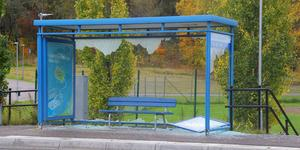 145 glasrutor på hållplatser runt om i Sala har krossats enligt VL.