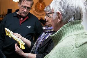 Inger Stålberg sålde lotter under den första timmen.