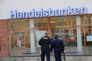 Att se till att det finns polisnärvaro i Kopparberg efter att rånet inträffat känns bakvänt.