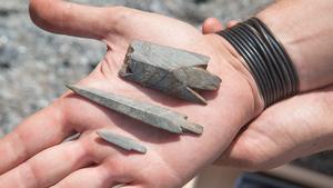 Pil- och spjutspetsar, cirka 4 500 år gamla och alltså från ungefär samma tid som björnhuvudklubban. Jägarna vid Norvik hade olika jaktredskap för olika typer av bytesdjur.