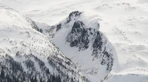 Branta sluttningar, som Dromskåran, är ett riskområde för laviner.