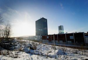 I januari stod det klart att Setra köpt Outokumpus nedlagda industriområde i Långshyttan för att starta en fabrik som ska tillverka fönster och dörrar vilket kommer ge drygt 20 nya arbetstillfällen. Nästa steg är att starta en fabrik för korslimmat trä . Starten är beräknad till 2020 och Setra räknar med att man då kommer kunna erbjuda drygt 60 nya arbetstillfällen. Om allt går som det ska kommer träindustriföretaget då ha drygt 130 anställda i Långshyttan.