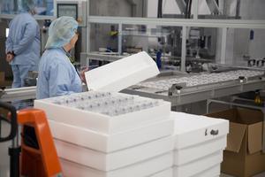Läkemedelsproduktion i fabriken Gärtuna.