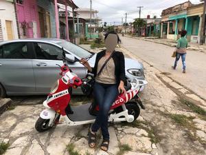I december 2017 åkte paret på semester till en Karibisk ö i en månad. Mannen ska ha betalat allt. Foto: Bild ur polisens förundersökning