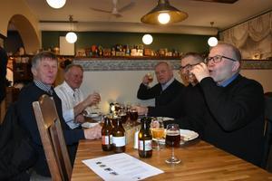 Birger, Rolf, John, Kalle och Stig valde taktiken mindre glas och flera olika sorter.