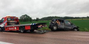 Bilen fick bärgas från platsen.