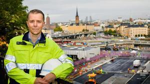 Mikael Schwartz Jonsson, vd för elteknikkoncernen Harju Elekter, ser stor potential i Västerås och man eftersöker nu kompetent personal till nya kontoret i Kopparlunden.