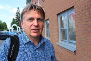 """""""Jag kommer att köra för fullt fram till att jag går hem"""", lovar Jan Lindström. Han tycker att det vore bra om en ny kommunchef är på plats innan han gör sista arbetsdagen i Stadshuset."""