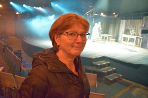 Karin Holdar, chef för Musik i Dalarna, prisar engagemanget hos de amatörer som deltar i uppsättningen.