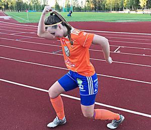 Under sommaren var Erica Kraft hemma i Bollnäs och spelade då med moderklubben i division 2.