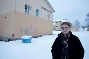 Rektorn Agneta Carlsson Byström och all övrig personal och elever får det trångbott värre framöver om inte årskurser flyttas över till Vasaskolan. Det bedömer i alla fall två chefstjänstemän.