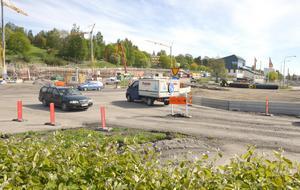 Den tillfälliga rondellen vid Skepparplatsen skulle asfalteras om, men det ändrades.