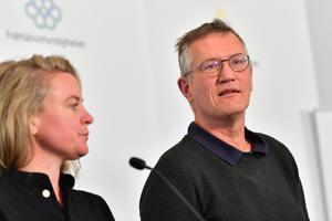 Socialstyrelsens krisberedskapschef Johanna Sandwall statsepidemiolog Anders Tegnell vid Folkhälsomyndighetens pressträff. Foto: TT