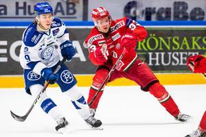Victor Berglund är tillbaka efter ett ett sex veckor långt äventyr där han fick testa att spela i AHL. Bild: Daniel Eriksson/Bildbyrån