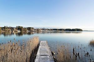 En brygga tillhöra villan i Fåker. Foto: Mäklarhuset