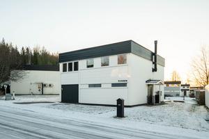 Det här huset på Pirkgatan i Salmostaden, Örnsköldsvik, såldes för 2 325 000 kronor. Foto: HusmanHagberg Örnsköldsvik