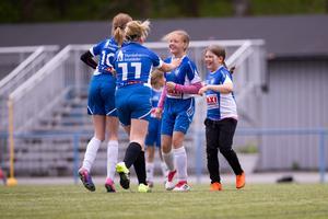 Återväxten inom tjejfotbollen har varit stor under några år. I dag är fem Nynäslag i seriespel. Här flickor -07. Foto: Fredrik Lundberg